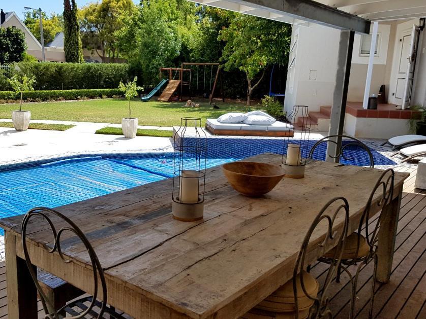 House-standar_http://multimedia.persquare.co.za/s838x629_1128284357-Paradyskloof, Stellenbosch