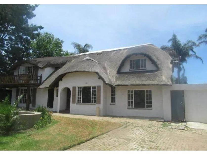 House-standar_http://multimedia.persquare.co.za/s838x629_11732318-Birch Acres, Kempton Park