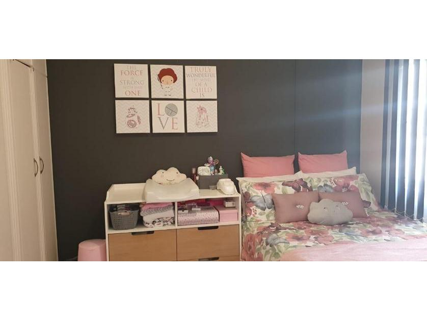 Flat-Apartment-standar_http://multimedia.persquare.co.za/s838x629_1190907119-Umhlanga Rocks, Umhlanga