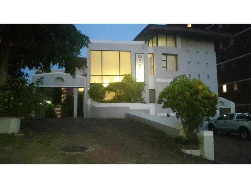 House-standar_http://multimedia.persquare.co.za/s838x629_1411066966-Amanzimtoti, eThekwini