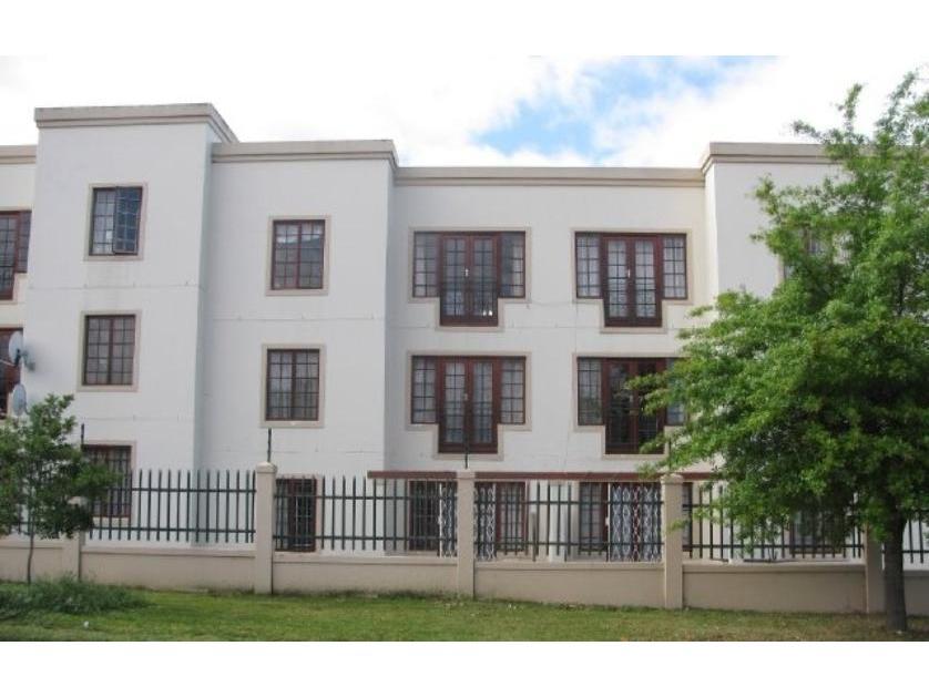 Flat-Apartment-standar_http://multimedia.persquare.co.za/s838x629_142412248-Stellenbosch, Stellenbosch