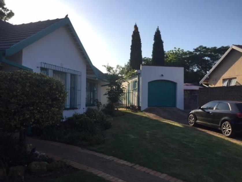 House-standar_http://multimedia.persquare.co.za/s838x629_1469077446-Alberton, Midvaal