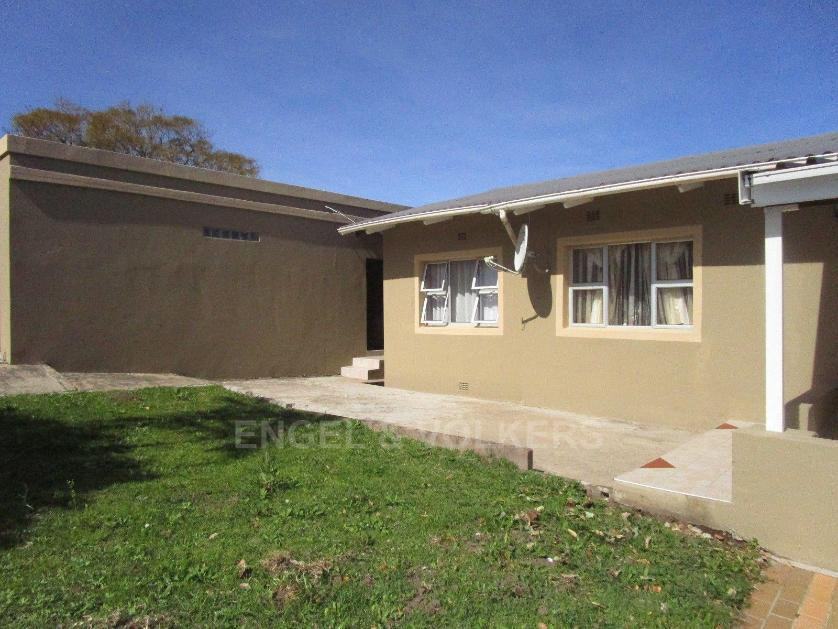 For Sale of House in Cambridge, East London(TIV_13385994