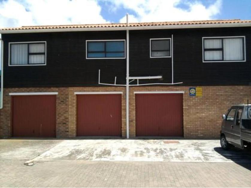 House-standar_http://multimedia.persquare.co.za/s838x629_1604190780-Langebaan, Saldanha Bay