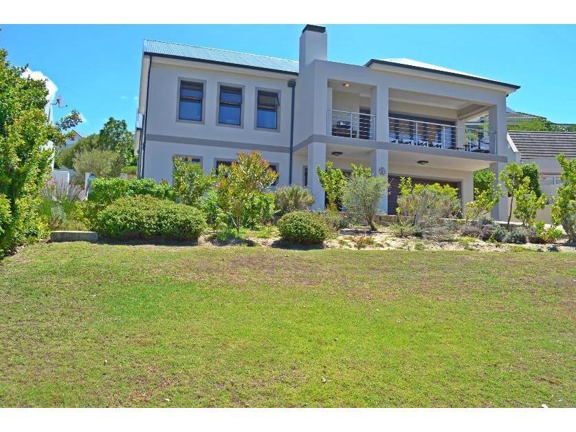 House-standar_http://multimedia.persquare.co.za/s838x629_1713433330-Hermanus, Overstrand