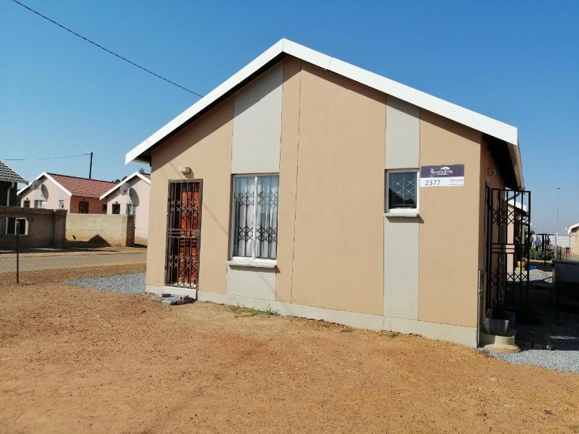 House-standar_http://multimedia.persquare.co.za/s838x629_1771316050-Walkerville, Midvaal