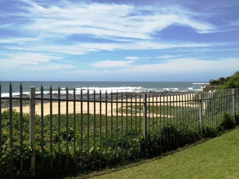 Flat-Apartment-standar_http://multimedia.persquare.co.za/s838x629_1809779464-Shelly Beach, Margate