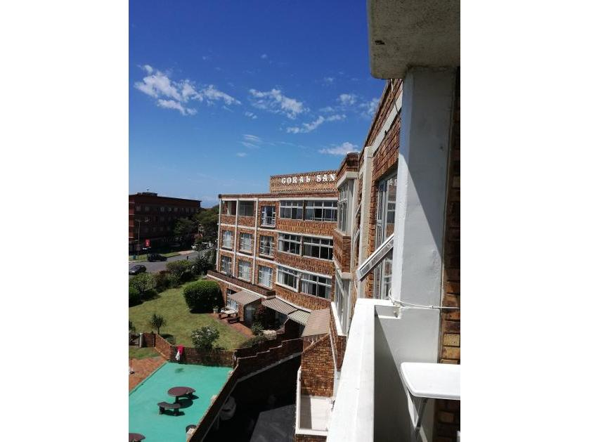 Flat-Apartment-standar_http://multimedia.persquare.co.za/s838x629_1819913560-Scottburgh, Umdoni