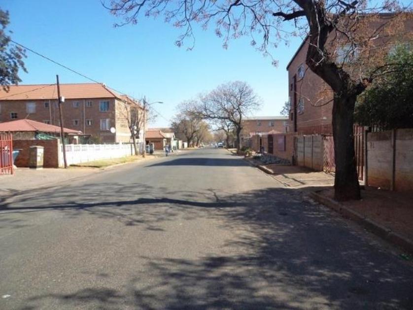 House-standar_http://multimedia.persquare.co.za/s838x629_1820802966-Kempton Park, Ekurhuleni