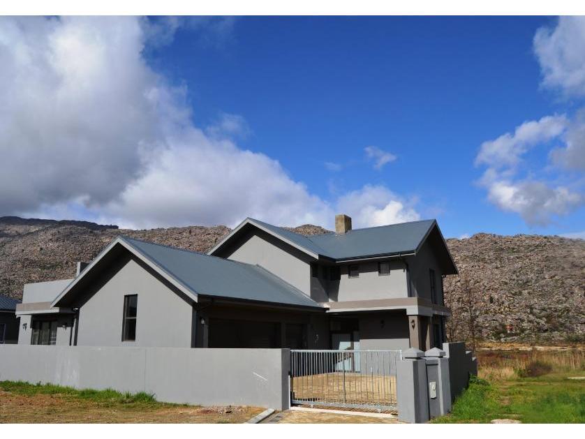 House-standar_http://multimedia.persquare.co.za/s838x629_1852280810-Ceres, Witzenberg