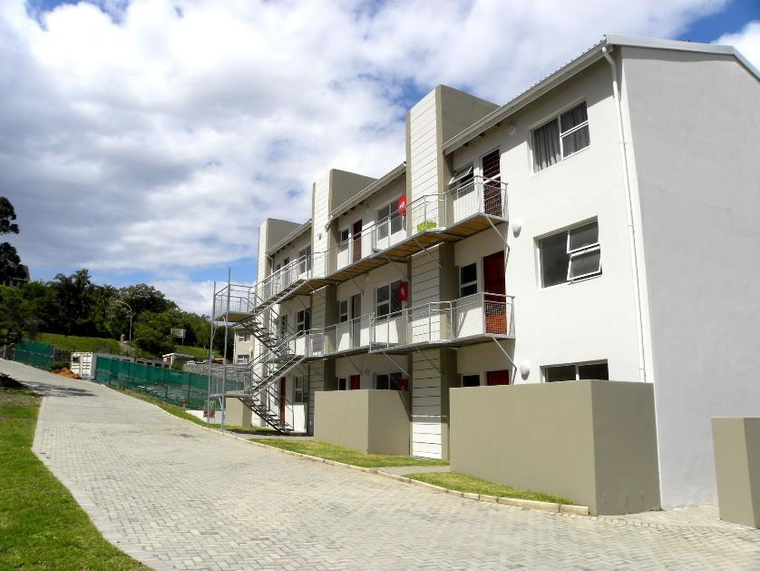 Flat-Apartment-standar_http://multimedia.persquare.co.za/s838x629_1915387116-Bonnie Doon, East London