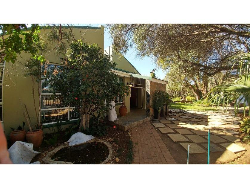 House-standar_http://multimedia.persquare.co.za/s838x629_1921640805-Grimbeek park, Potchefstroom