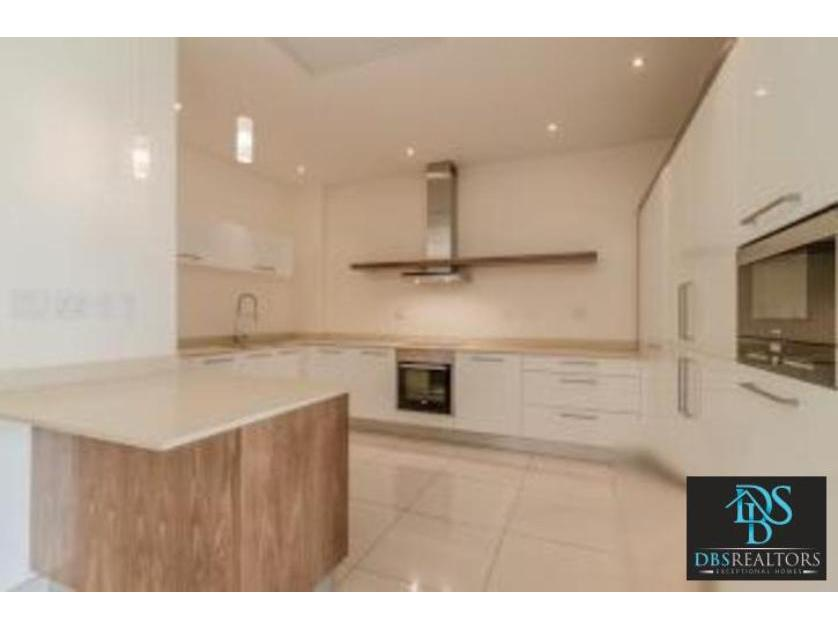 Flat-Apartment-standar_http://multimedia.persquare.co.za/s838x629_1954803191-Houghton, Eerste Rivier