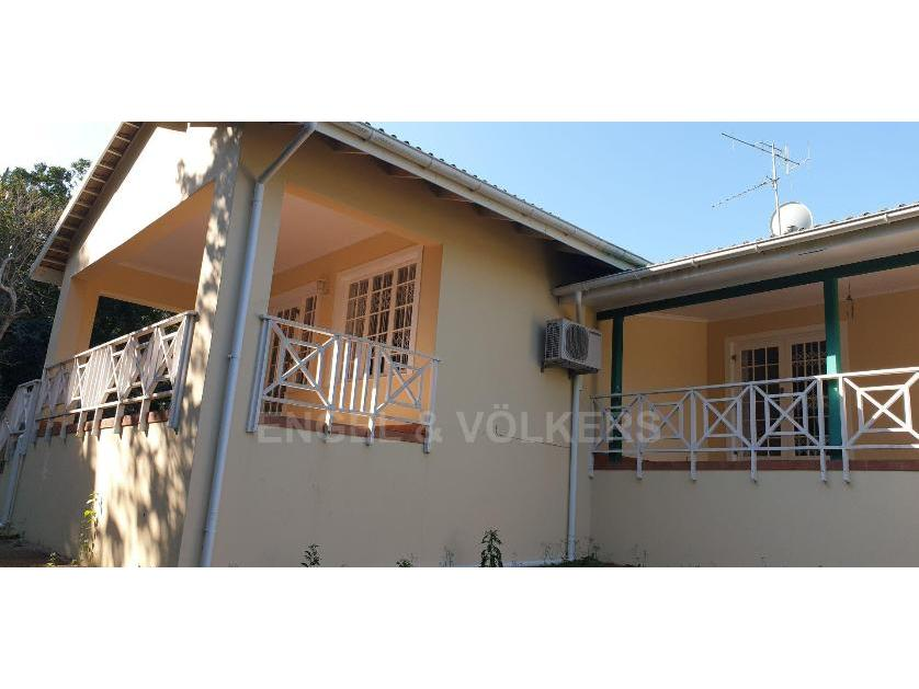 House-standar_http://multimedia.persquare.co.za/s838x629_2007419756-Umtentweni, Port Shepstone