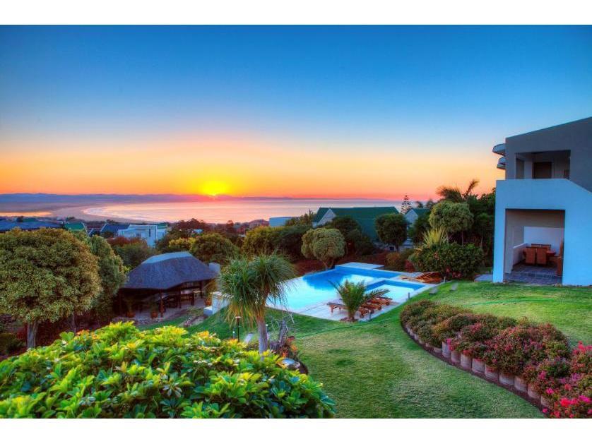 House-standar_http://multimedia.persquare.co.za/s838x629_201251449-Wavecrest, Jeffrey's Bay