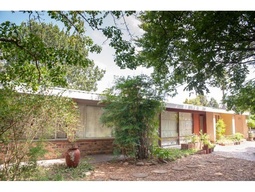 House-standar_http://multimedia.persquare.co.za/s838x629_2062130836-Onder Papegaaiberg, Stellenbosch