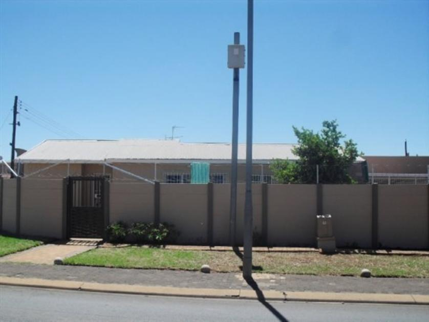 For Sale Of House In Lenasia City Of Johannesburg 3408
