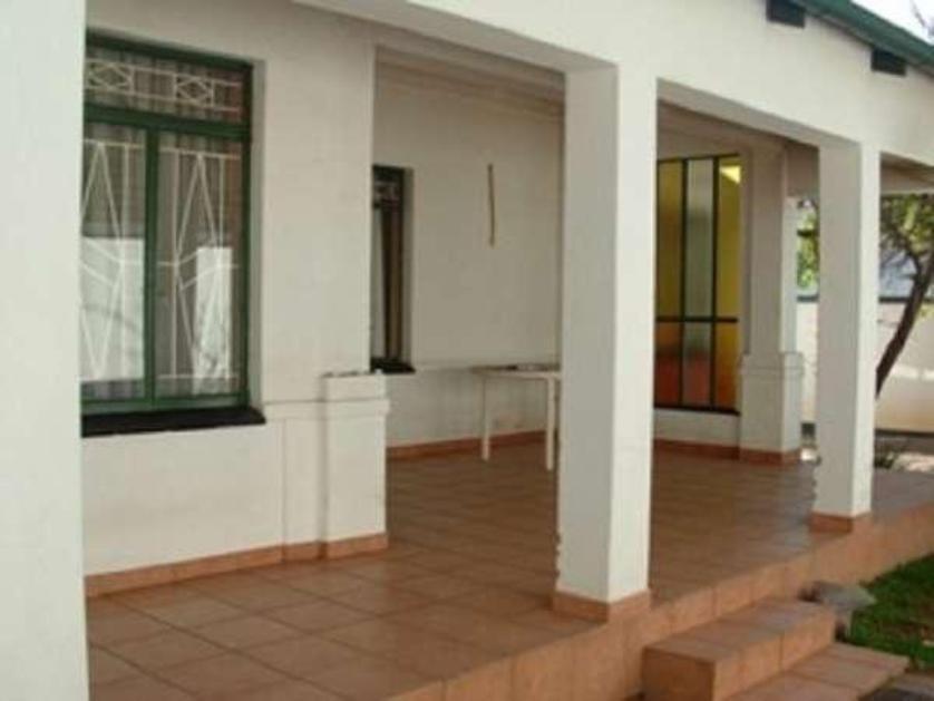 House-standar_http://multimedia.persquare.co.za/s838x629_2126024791-Pretoria, City of Tshwane