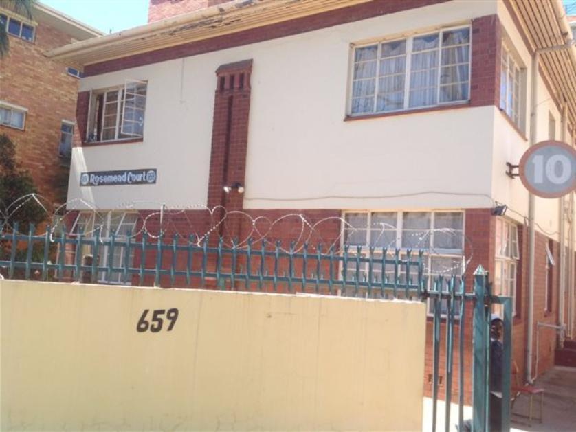 Flat-Apartment-standar_http://multimedia.persquare.co.za/s838x629_297492277-Arcadia, Pretoria