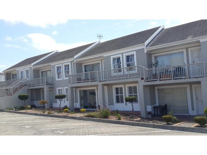 Flat-Apartment-standar_http://multimedia.persquare.co.za/s838x629_35626823-Blouberg, City of Cape Town
