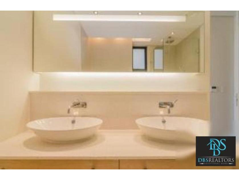 Flat-Apartment-standar_http://multimedia.persquare.co.za/s838x629_373167656-Houghton, Eerste Rivier
