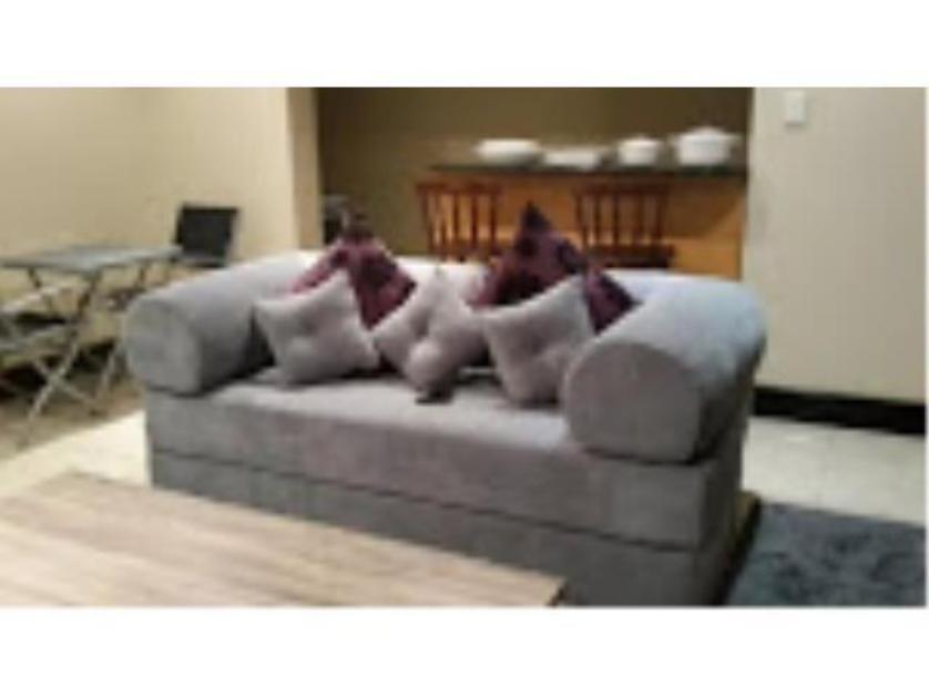 House-standar_http://multimedia.persquare.co.za/s838x629_448761776-Herrwood Park, Umhlanga