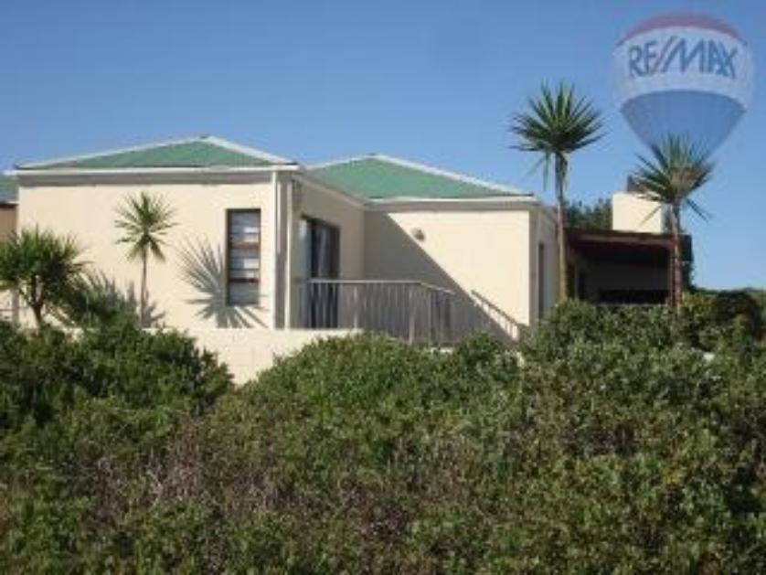 House-standar_http://multimedia.persquare.co.za/s838x629_498944991-Langebaan, Saldanha Bay