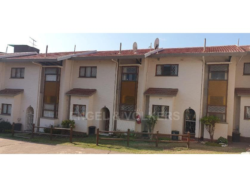 Flat-Apartment-standar_http://multimedia.persquare.co.za/s838x629_513603196-Uvongo, Margate