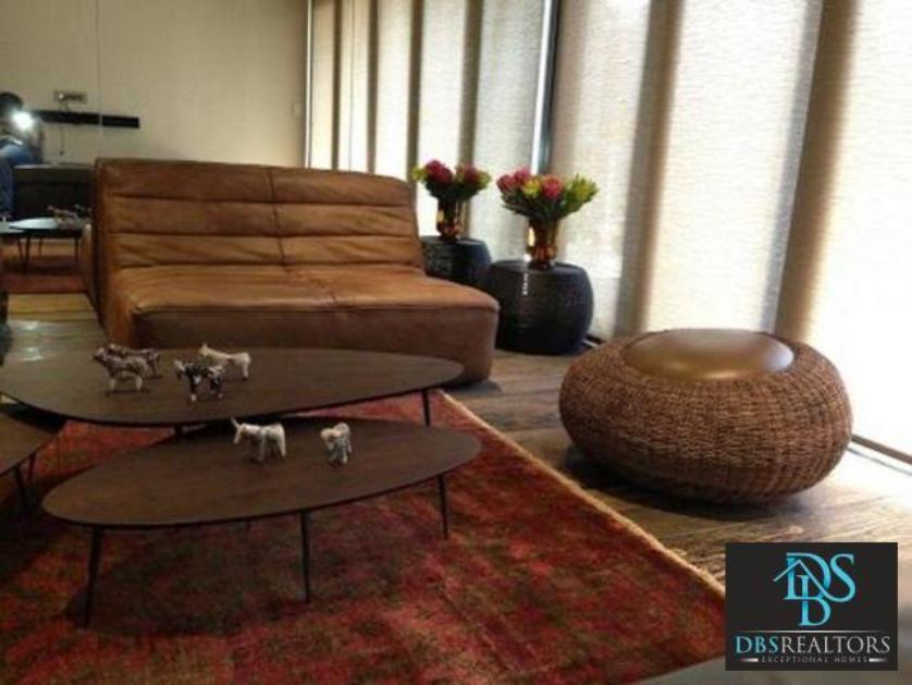 Flat-Apartment-standar_http://multimedia.persquare.co.za/s838x629_605604013-Melrose, Johannesburg