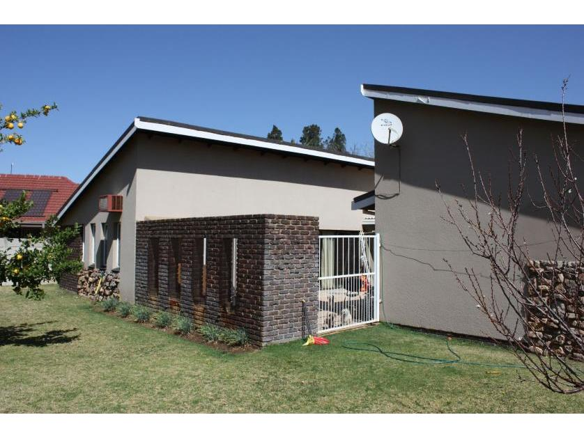 House-standar_http://multimedia.persquare.co.za/s838x629_652082863-Grimbeek park, Potchefstroom