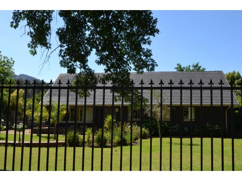 House-standar_http://multimedia.persquare.co.za/s838x629_685308959-Ceres, Witzenberg