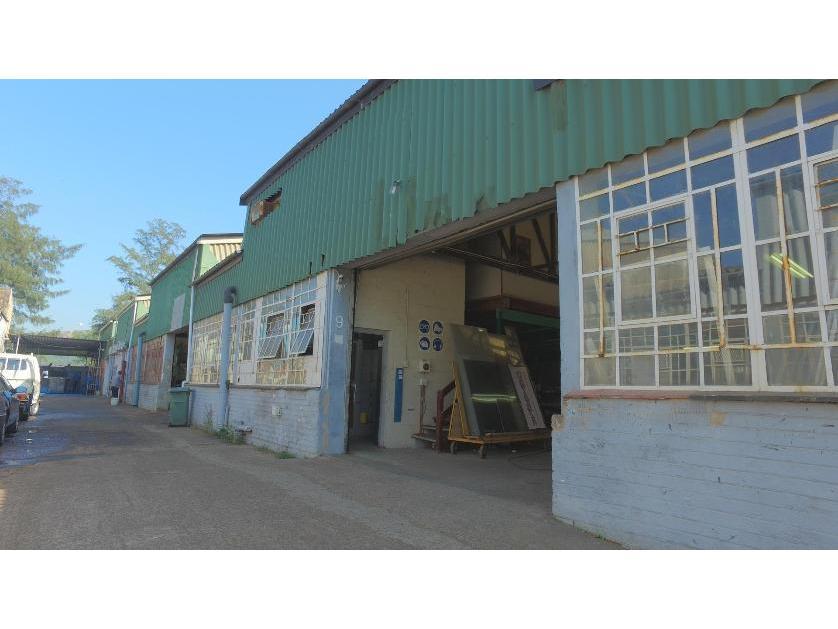 House-standar_http://multimedia.persquare.co.za/s838x629_692658939-