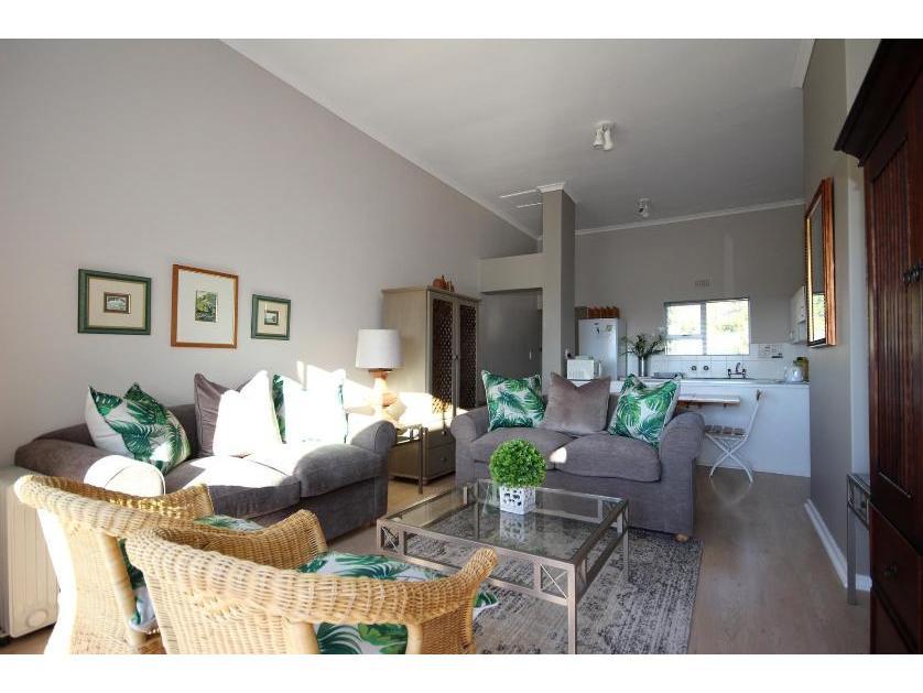 Flat-Apartment-standar_http://multimedia.persquare.co.za/s838x629_764381659-Goose Vallley Golf Estate, Plettenberg Bay