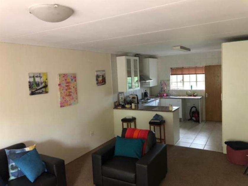 Flat-Apartment-standar_http://multimedia.persquare.co.za/s838x629_83620527-Jukskei Park, Randburg