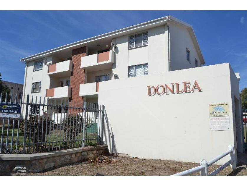 Flat-Apartment-standar_http://multimedia.persquare.co.za/s838x629_842703540-Humewood, Port Elizaberth