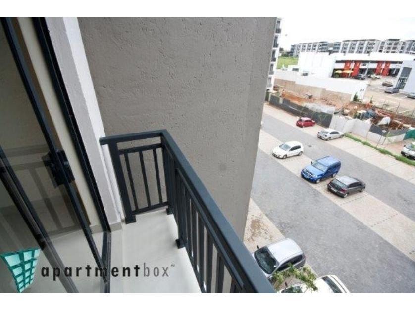 Flat-Apartment-standar_http://multimedia.persquare.co.za/s838x629_914952598-Umhlanga Rocks, Umhlanga