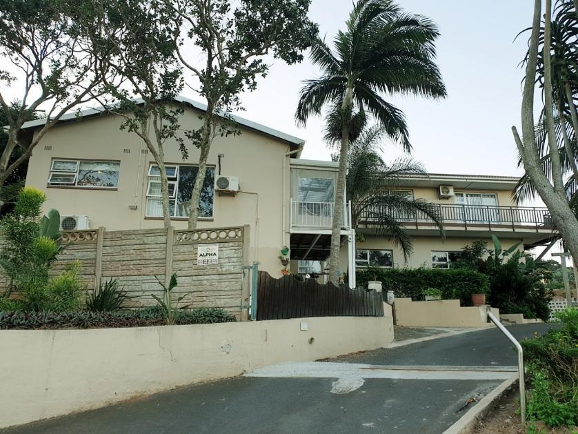 House-standar_http://multimedia.persquare.co.za/s838x629_936960369-Zinkwazi Beach, KwaDukuza
