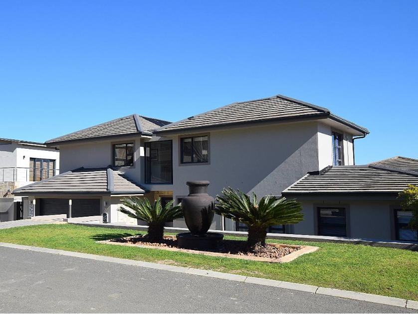 House-standar_http://multimedia.persquare.co.za/s838x629_99272829-Parow, City of Cape Town